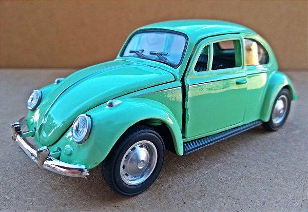 Volkswagen Fusca Verde - Escala 1/32 - 13 CM