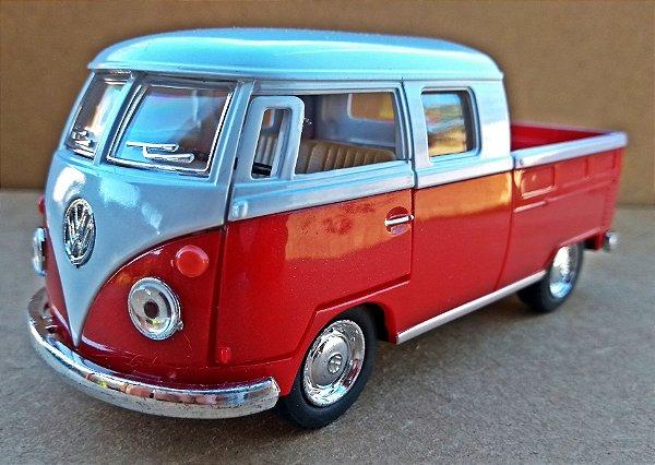 Volkswagen Kombi Vermelha/Branca - Escala 1/32 - 13 CM