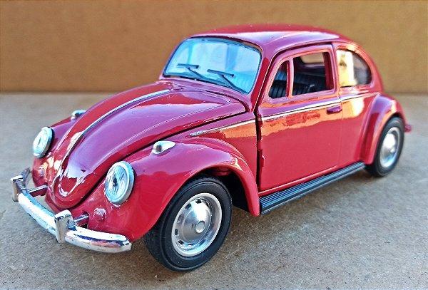 Volkswagen Fusca Vermelho Escuro - Escala 1/32 - 13 CM
