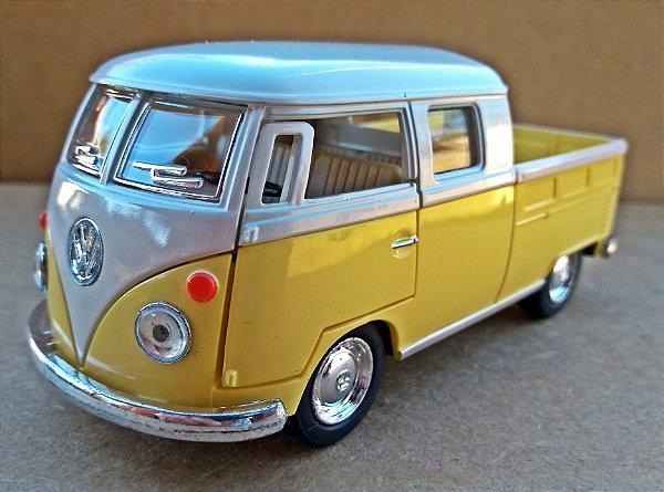 Volkswagen Kombi 1962 Amarela/Branca - Escala 1/32 - 13 CM