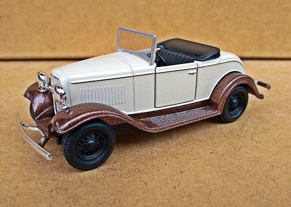 Ford Roadster 1932 BEGE -  Escala 1/32 - 12 CM