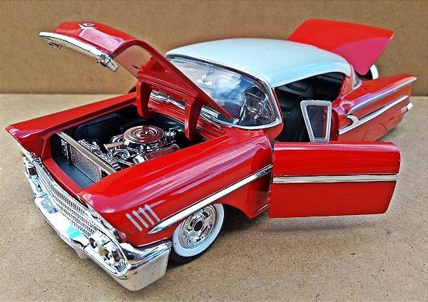 Chevrolet Impala Custom 1958 Vermelho - Escala 1/24 - 24 CM