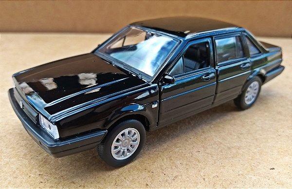 Volkswagen Santana Preto - Escala 1/43 - 11 CM