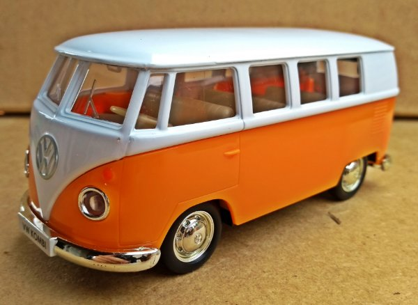 Volkswagen Kombi 1972 Laranja/Branca - Escala 1/43 - 12 CM