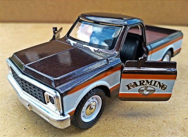 Chevrolet C10 Americana Marrom - Escala 1/32 - 12 CM