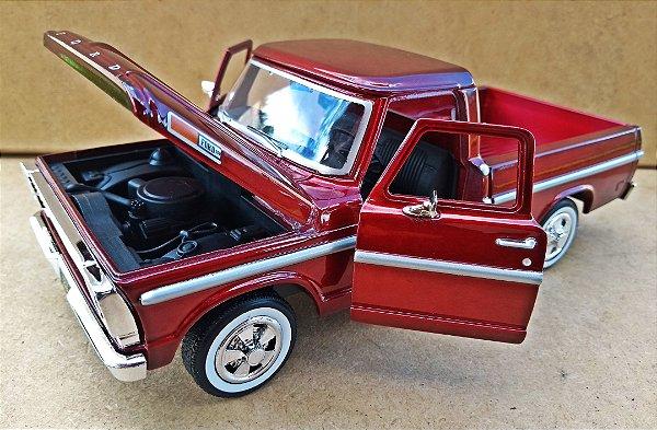 Ford F100 1969 Vinho - Escala 1/24 - 20 CM