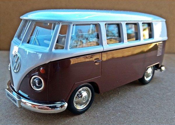 Volkswagen Kombi 1962 Marrom/Branca - Escala 1/32 - 13 CM
