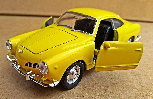 Volkswagen Karmann Ghia 1962 Amarelo - Escala 1/43 - 11 CM