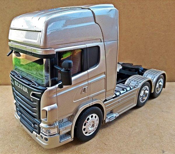 Scania V8 R730 Trucado Prata - Escala 1/32 - 22 CM