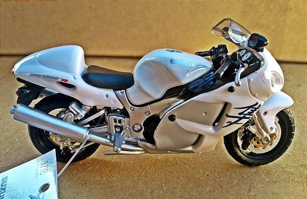 Suzuki GSX 900R - ESCALA 1/18 - 12 CM