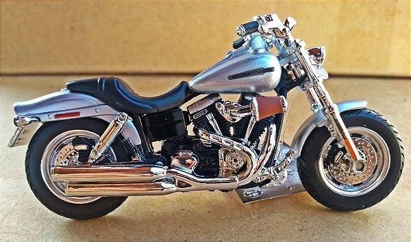 Harley Davidson Fat Bob 2009 -  ESCALA 1/18 - 12 CM