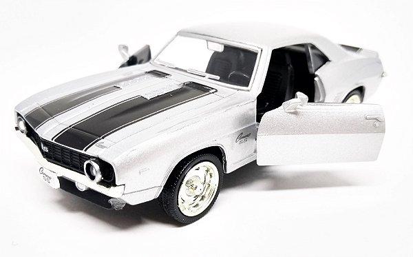 Chevrolet Camaro SS 1969 Prata - Escala 1/38 - 12 CM