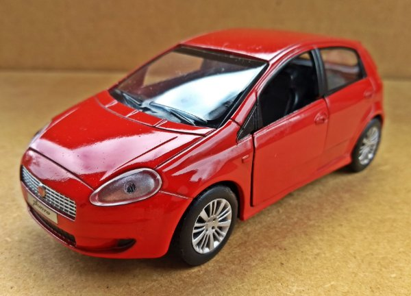 Fiat Punto - ESCALA 1/38 - 11 CM
