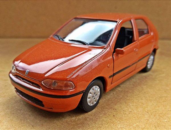 Fiat Palio 1995 - ESCALA 1/43 - 11 CM