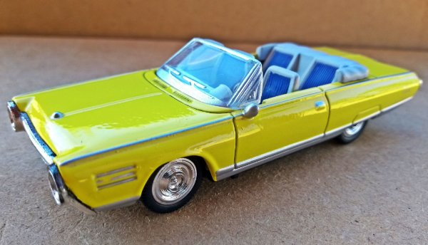 Chrysler Turbine Car 1964 - Escala 1/43 - 11 CM