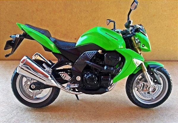 Kawasaki Z 1000 - ESCALA 1/18 - 12 CM