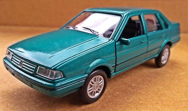 Volkswagen Santana - Escala 1/43 - 11 CM