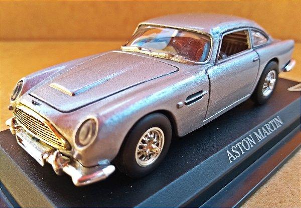 Aston Martin - Escala 1/43 11 CM