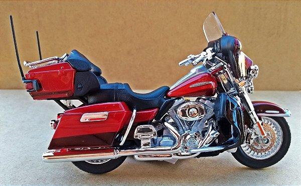 Harley Davidson Electra Glide 2013 Vermelha - ESCALA 1/18 - 12 CM