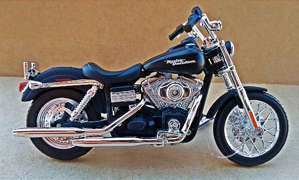 Harley Davidson Dyna Street Bob 2006 - ESCALA 1/18 - 12 CM