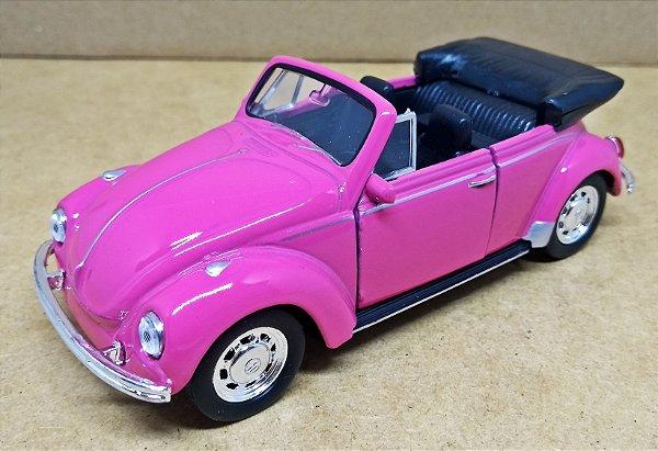 Volkswagen Fusca Rosa Conversível - Escala 1/32 - 13 CM