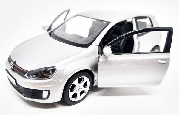 Volkswagen Golf GTI Prata - Escala 1/32 12 CM