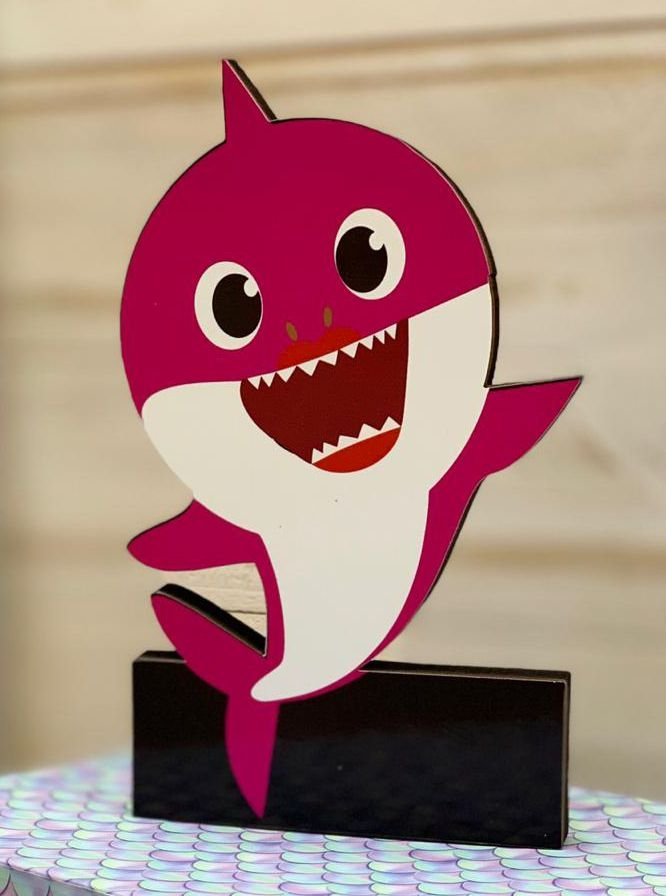 Enfeite de Mesa em Madeira Festa Baby Shark Pink - 1 Unidade - Rizzo Festas