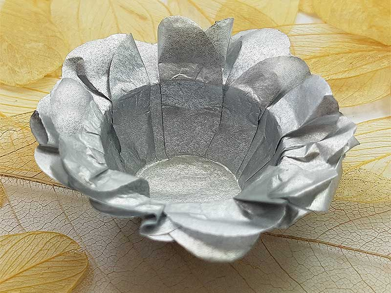 Forminha para Doces Floral em Seda Prata - 40 unidades - Decorart - Rizzo Embalagens e Festas
