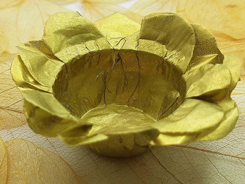 Forminha para Doces Floral em Seda Dourado - 40 unidades - Decorart - Rizzo Embalagens e Festas
