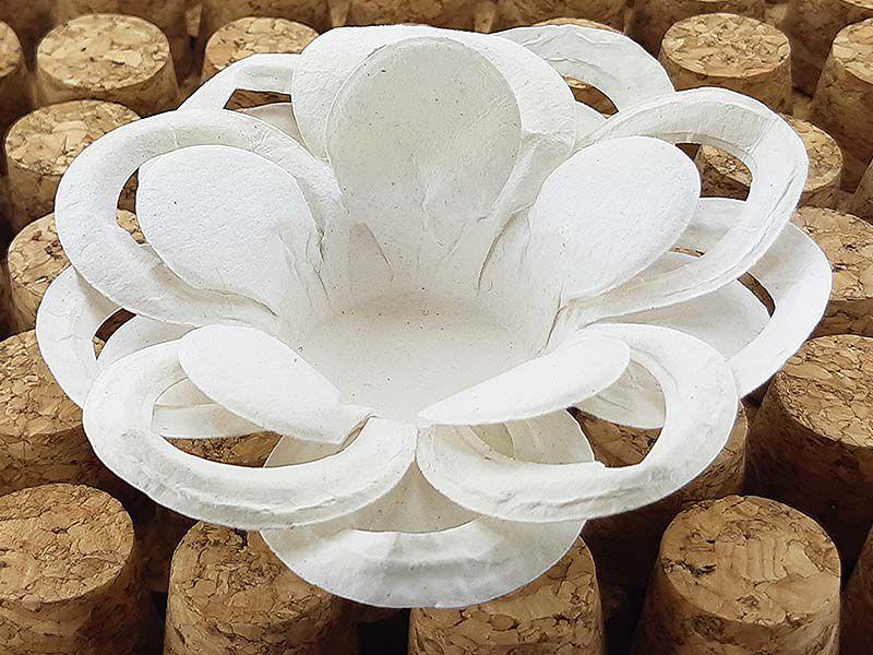 Forminha para Doces Floral Loá Colorset Lisa Cru - 40 unidades - Decorart - Rizzo Embalagens e Festas