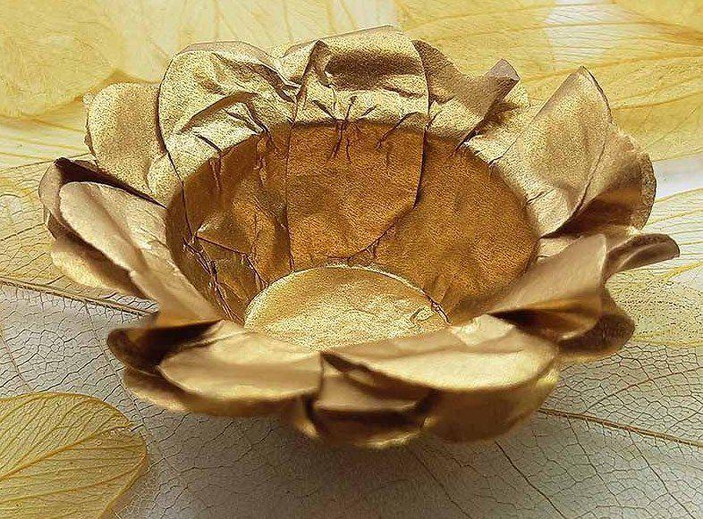 Forminha para Doces Floral em Seda Bronze - 40 unidades - Decorart - Rizzo Embalagens