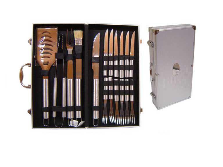 Estojo de alumínio com kit churrasco com 17 peças