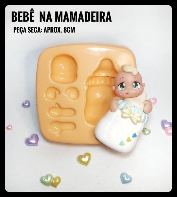 Bebê na Mamadeira