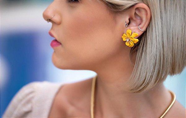 Brinco Flor Gardênia Amarelo