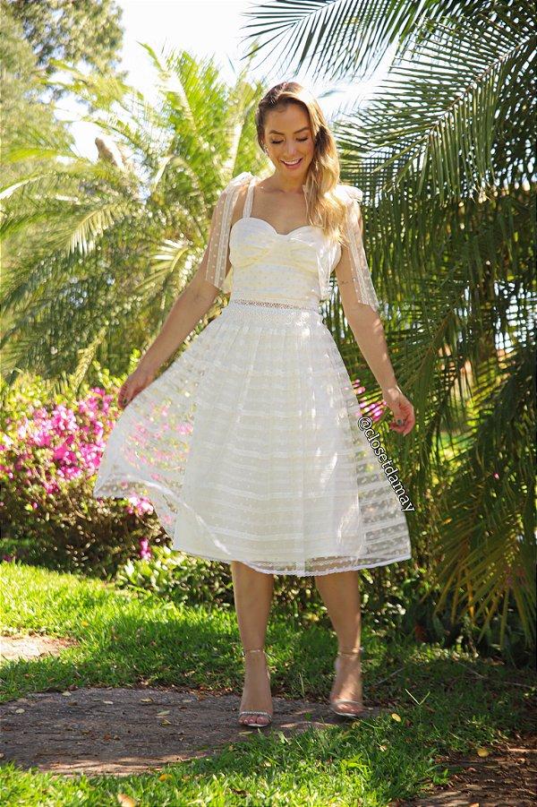 Vestido Mary de noiva lady like, com renda, tule de poá e aplicações