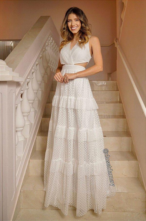 Vestido de noiva longo, em tule de poá, com recortes na cintura