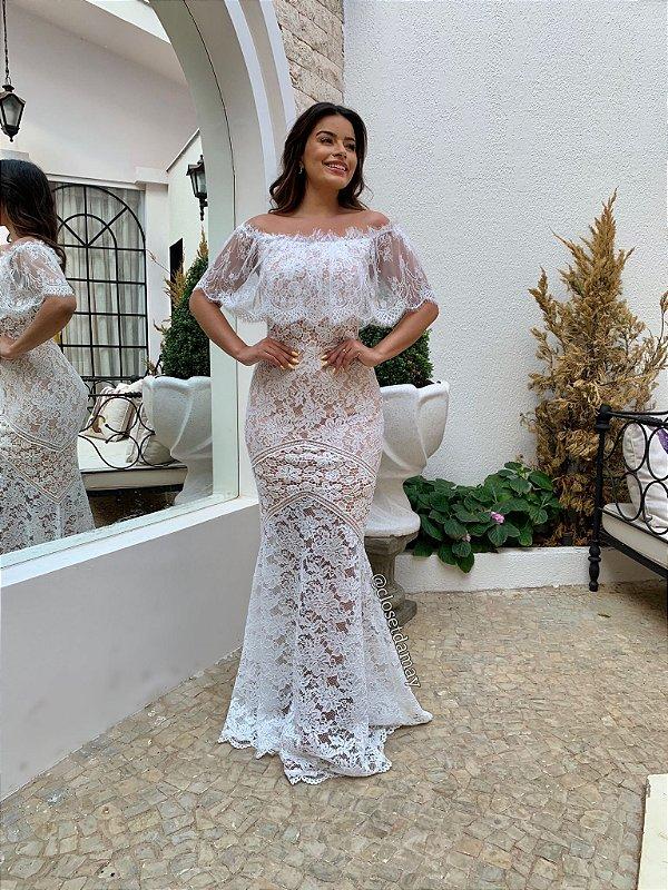 Vestido Sabrina, de noiva branco longo ombro a ombro com babado