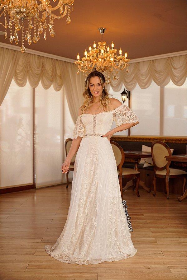 Vestido Bárbara de noiva longo, ombro a ombro, com mangas curtas, em mix de renda