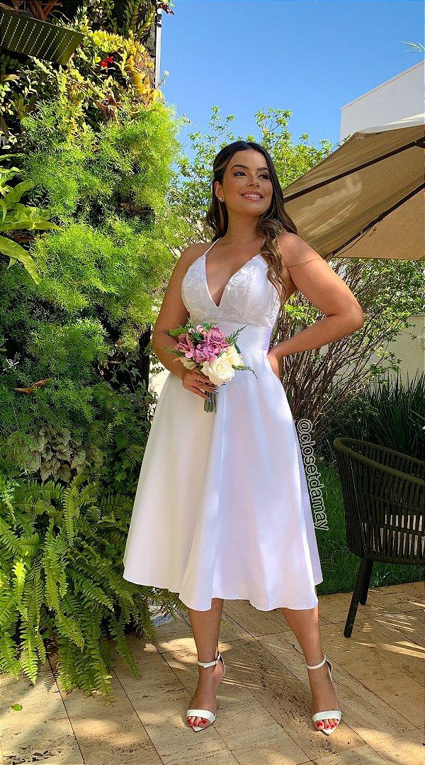 Vestido midi, de alças, busto com aplicações de renda, para casamento civil ou jantar noivado