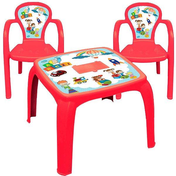 Conjunto Mesa e 2 Cadeiras Infantil Decorada de Usual Plastic 57 x 57 x 45 cm - Modelo: Vermelha Educativa