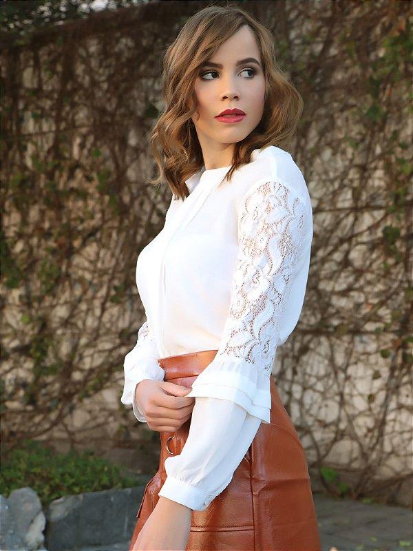 Blusa branca manga longa com renda
