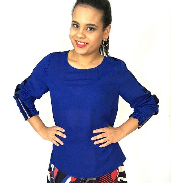 Camisa azul com veludo