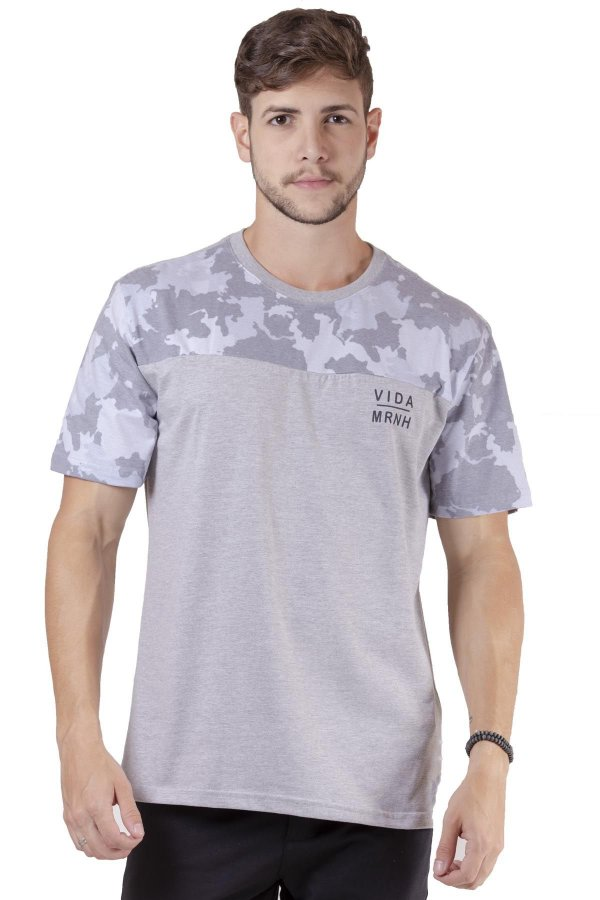 """Camiseta Manga Curta Com Estampa Camuflada """"Coleção Indonésia"""""""