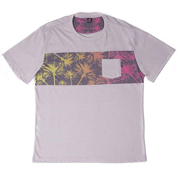 029982307b69 Camiseta Manga Curta Com Estampa Na Frente Diferenciada