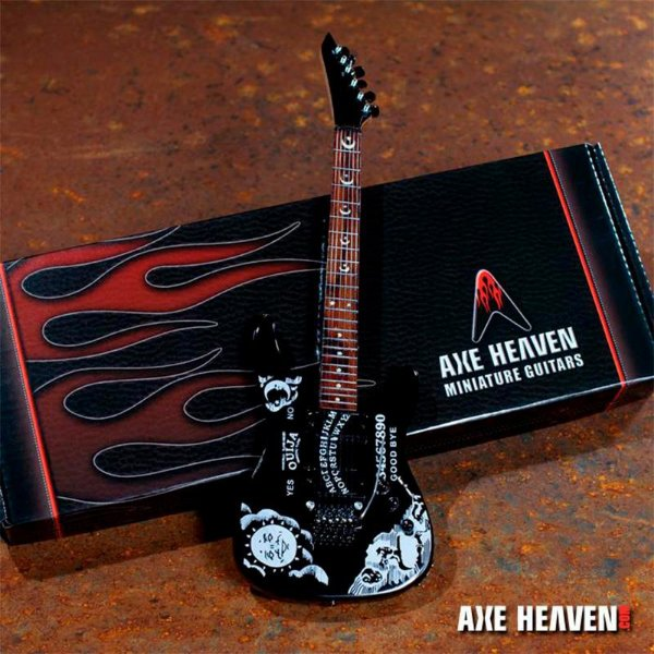 "Guitarra Miniatura Axe Heaven Kirk Hammett Signature ""Ouija"""