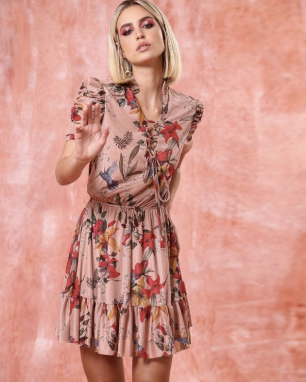 Vestido curto de tule floral