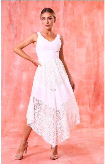Vestido branco mix de rendas