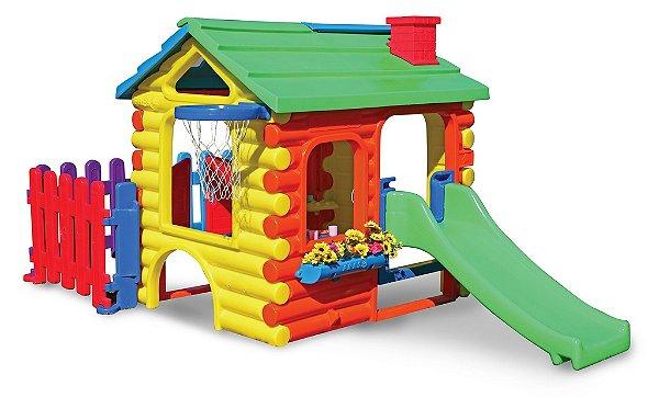 Casinha de Brinquedo Chalé Royale Gold com Cerquinha