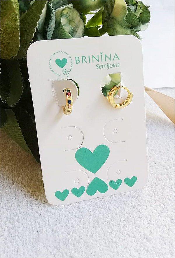 Brinco mini argola articulada zirconias coloridas banhada a ouro 18k