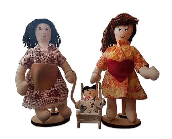 Mãe Biológica e Mãe Adotiva (boneco sexuado) (com suportes de brinde)